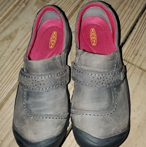 Keen shoes. Grey. Size 8.5
